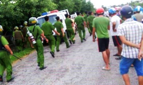 Hàng trăm cảnh sát được huy động để truy tìm 50 người nghiện trốn trại