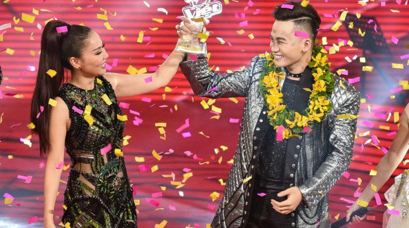 hoc-tro-thu-minh-dang-quang-tai-giong-hat-viet-2017