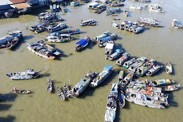 Chợ nổi Cái Răng là khu du lịch nổi tiengs của Việt Nam