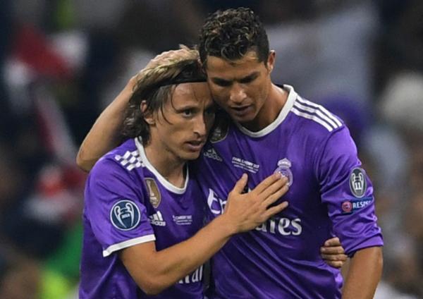 Luka-Modric-tiec-nuoi-khi-Ronaldo-chia-tay-Real-Madrid-hinh-anh