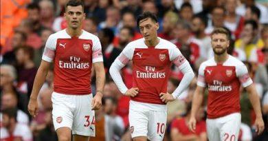 Huyền thoại M.U nói gì về trận Arsenal 0-2 Man City?