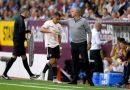 Hành động bất ngờ của Sanchez trong trận đấu
