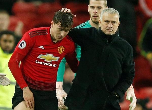 Mourinho chỉ tên cầu thủ dũng cảm nhất MU