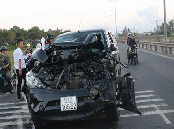 Tai nạn liên hoàn ở Quảng Nam khiến tài xế tử vong tại chỗ