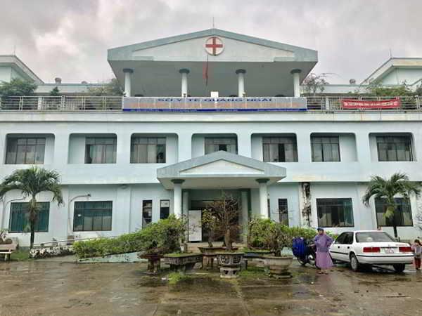 Quảng Ngãi cho sát nhập 2 bệnh viện lớn khiến người dân phẫn nộ