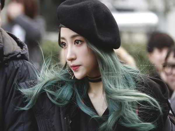 Nhuộm tóc màu xanh rêu cực chất cho cô nàng hiện đại