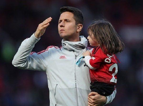 Ander Herrera lên tiếng nói về Mourinho và Solskjaer