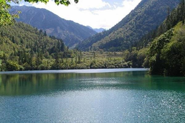 Nằm mơ thấy hồ nước đánh con gì