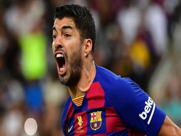 Suarez chĩa mũi dùi vào ban huấn luyện Barca