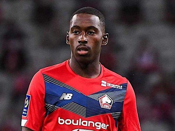 Chuyển nhượng tối 12/10: Sao Ligue 1 muốn đến MU