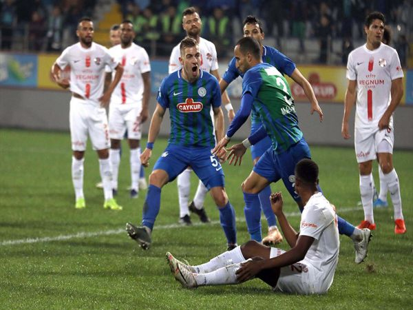 Soi kèo Sivasspor vs Rizespor, 00h00 ngày 27/10 - VĐQG Thổ Nhĩ Kỳ